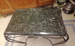 Table d'appoint Granit Labrador et fer-forgé